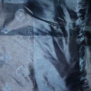 Accessories - Louis's Vuitton silk scarf